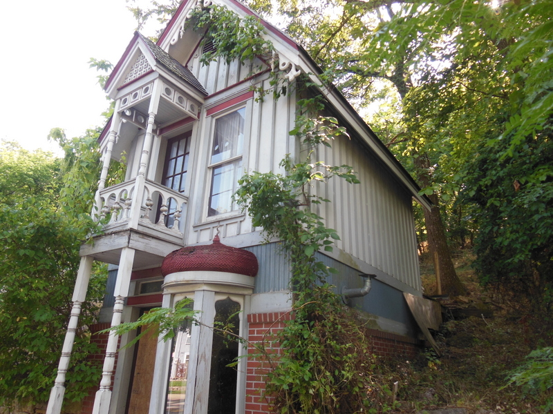 Skinny Victorian Home