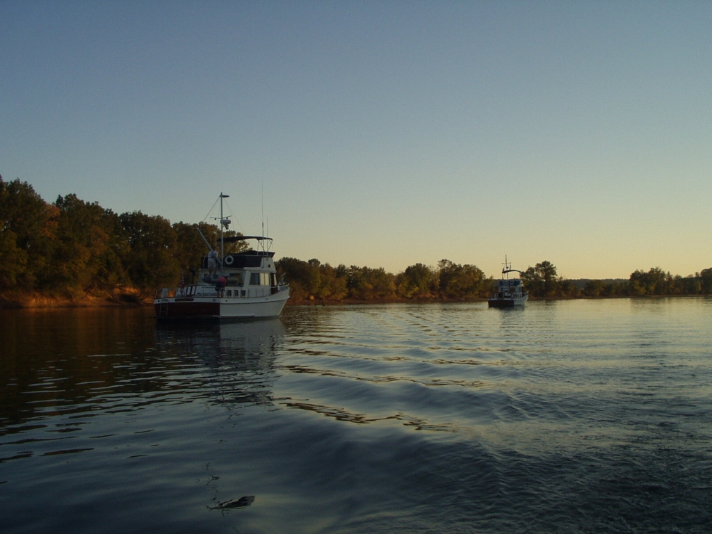 Meander and Katy Leigh anchored at Double Island